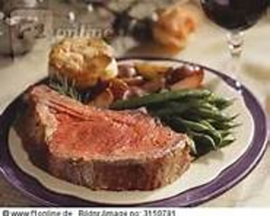 BB Cody's Steakhouse: Perfectly Roasted Prime Rib