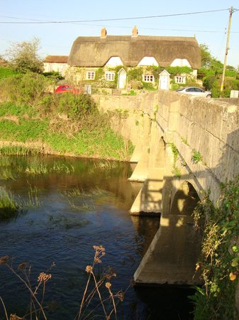 Damson Cottage: The walk over to Lacock Village
