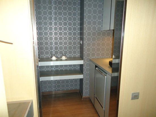 "AC Hotel Victoria Suites: Even has a little ""kitchenette"""