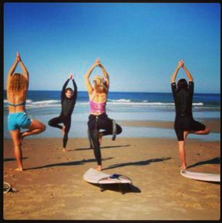 Ship Bottom, Nueva Jersey: Yoga & Surf Workshops