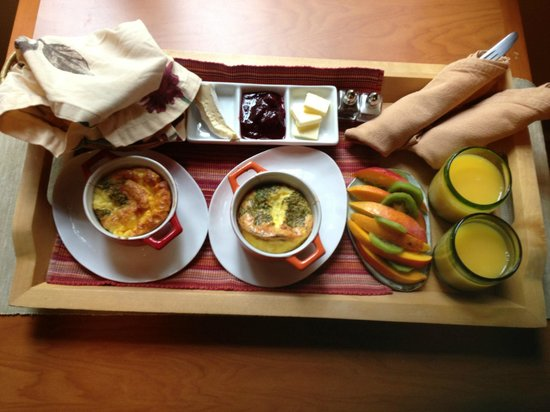 Red Crow Guesthouse: Breakfast for two :)