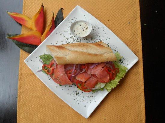 Restaurant El Jardin San Jose: sandwich salmon