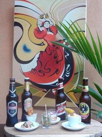 Restaurant El Jardin San Jose: beers and tapas in the afternoon