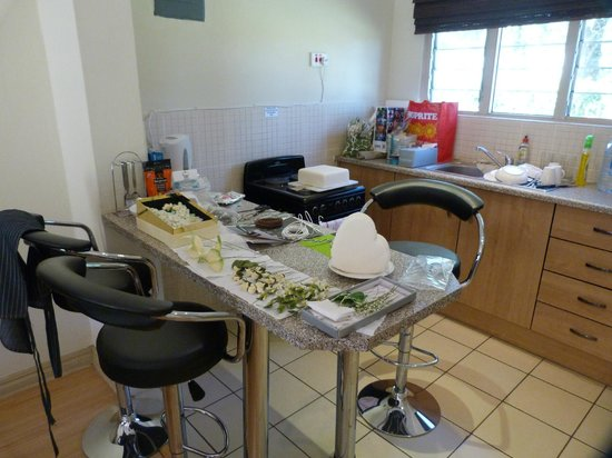 Victoria Apartments: Kitchen area in good use