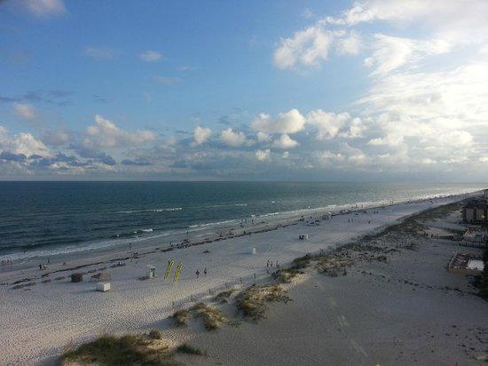 Phoenix All Suites Hotel West : beach