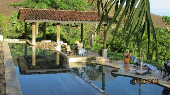 Villa Buena Onda: Pool bar
