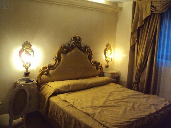 Hotel Vecellio: Habitación