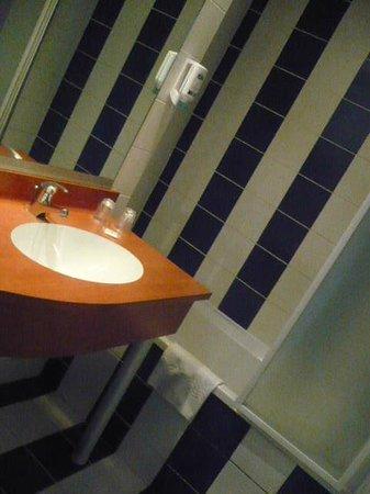 Brit Hotel Saint Malo - Le Transat : bathroom