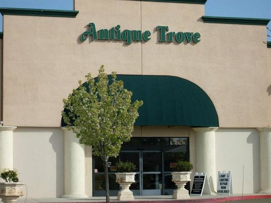 ‪Antique Trove‬