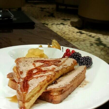 The Ritz-Carlton, Vienna: French Toast for breakfast