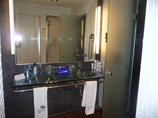Sercotel Asta Regia Jerez Hotel: badkamer