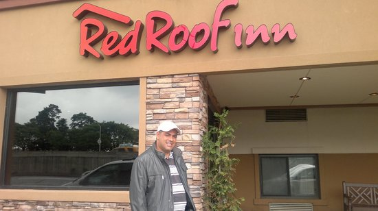 Red Roof Inn Queens: EN la fachada