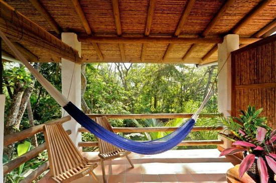 Atrapasuenos Dreamcatcher Hotel: hammocks in every room