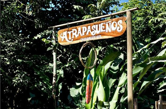 Atrapasuenos Dreamcatcher Hotel: look for the sign if you arrive in bus