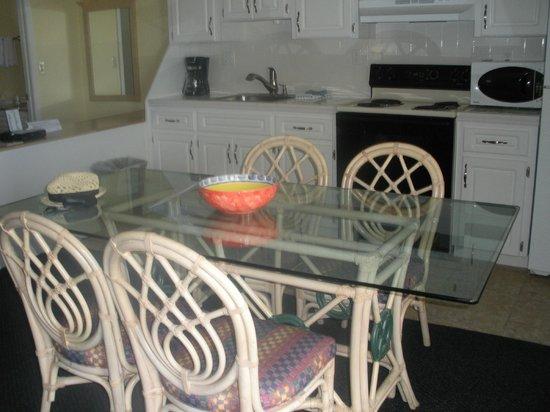 Shoreline Island Resort: our kitchen