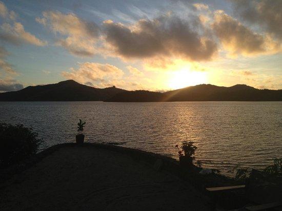 Turtle Island: Sunset from Vonu Point