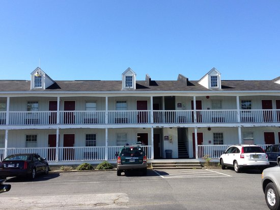 Francis Scott Key Family Resort: Outside where staying being renovated