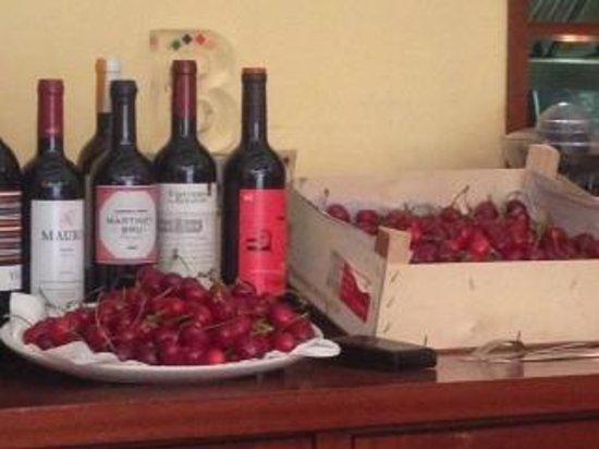 Agut: cherries