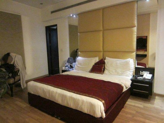 Hotel Krishna: Bedroom