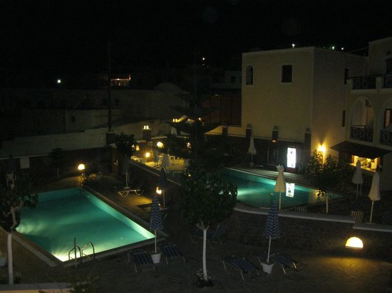 Selini Hotel: The pools at the front