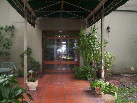 Posada del Gobernador : LA ENTRADA AL HOTEL