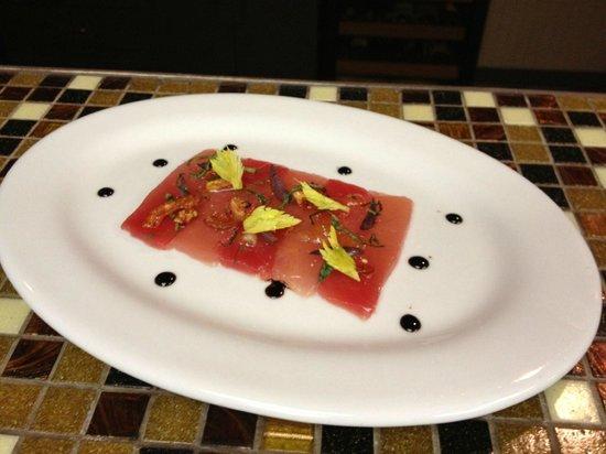 Noah's Eclectic Bistro: Tuna Crudo
