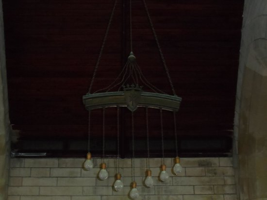 Cathedral of the Most Holy Trinity (Bermuda Cathedral): chandelier