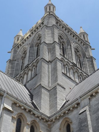 Cathedral of the Most Holy Trinity (Bermuda Cathedral): Architecture of building