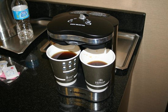 Hilton Saint John : Paper Cups in the Coffee Maker