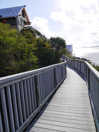 Concordia Eco-Resort: Walkway to E9