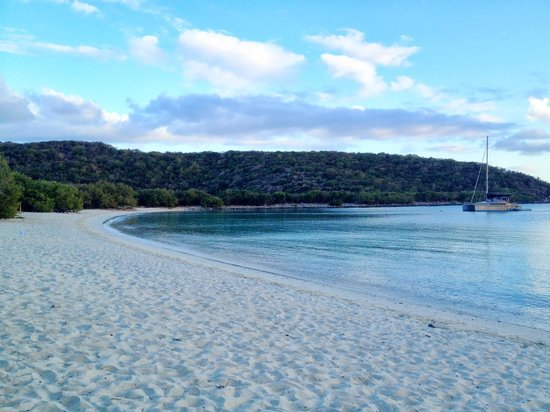 Concordia Eco-Resort: Salt Pond Bay in the late afternoon