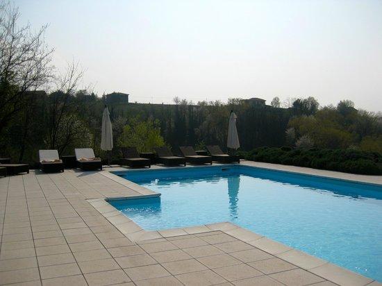La Villa Hotel: Hotel pool with stunning views