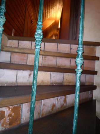 Hotel Reverie : Stairway to guest rooms