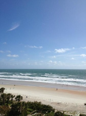 The Cove on Ormond Beach: Beach view