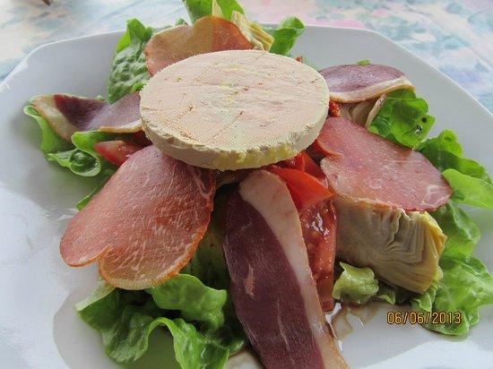 Le Belvedere: Salad w/bloc foie gras & smoked duck breast