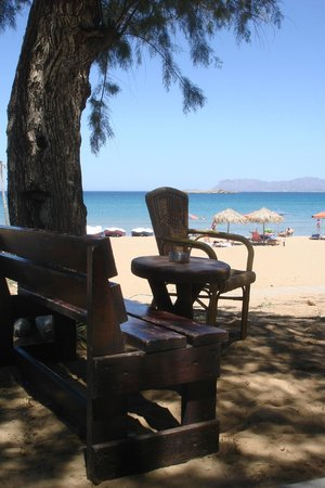 Lefka Apartments: Golden Beach