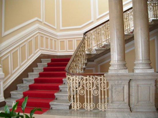 Grand Hotel Plaza & Locanda Maggiore: Grand Staircase