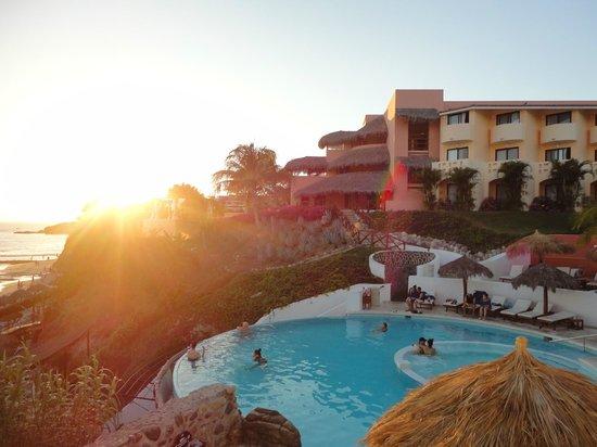 Grand Palladium Vallarta Resort & Spa : Vue près de la piscine des adultes