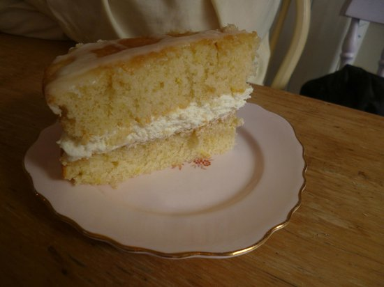 The Lavender Tea House: lemon cake