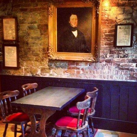 The Queens at Selborne: The Pub