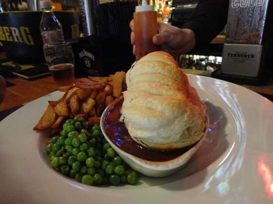 Nicky Tams Bar & Bothy: beef pie