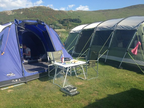 Hillend campsite: Small hook up pitch