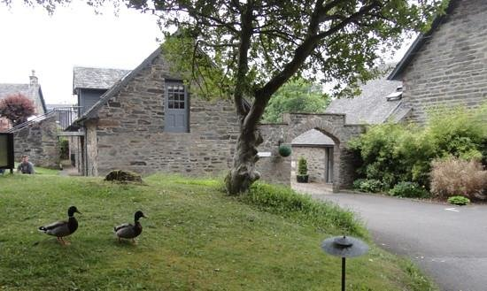 Craigatin House & Courtyard: view from entrance