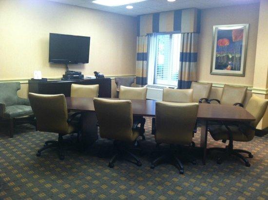 Hampton Inn Dalton: meeting room