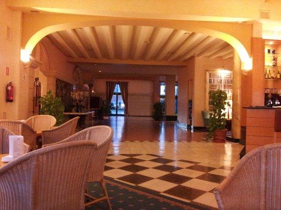 Hotel La Vega: Zona de estar