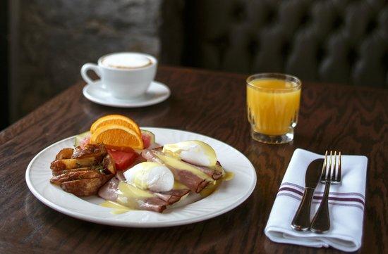 Auberge du Vieux-Port: Breakfast