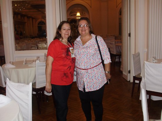 Palace Hotel : Eu e minha amiga Célia no Hall de entrada.