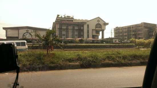 Welcome Centre Hotels: HOTEL VIEW FROM STREET