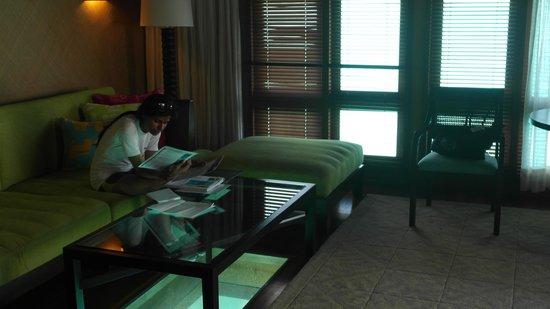 The St. Regis Bora Bora Resort: Sitting Area