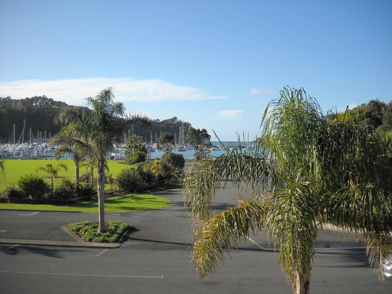 Quality Hotel Oceans Tutukaka: Oceans Resort Hotel in Tutukaka Looking out